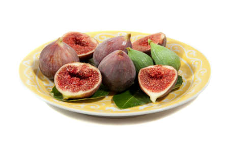 figs, ripe, green and sliced