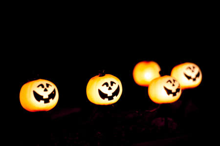 halloween lights with gap toothed pumpkins Archivio Fotografico