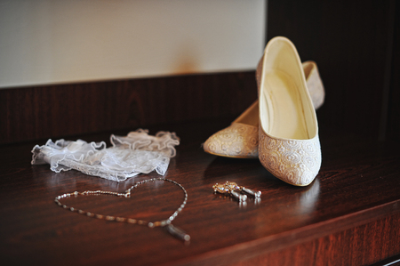 chainlet: wedding shoes, chainlet, earrings