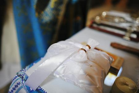 wedding rings on church ceremony