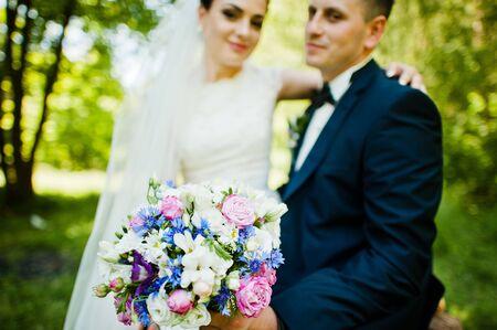 newlywed couple: Close up portrait of wedding couple