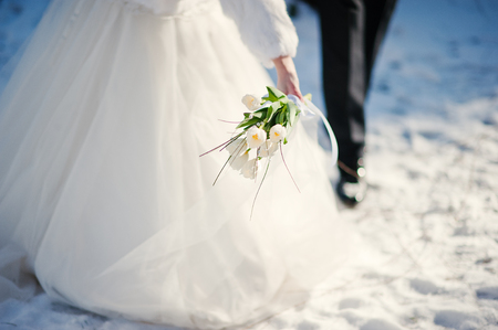 wedding couple at the winter day