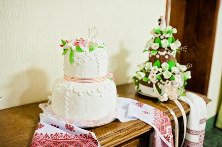 festive occasions: wedding cake