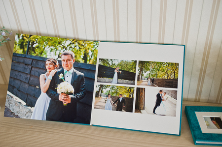 cian: blue aqua velvet wedding photobook and album Stock Photo