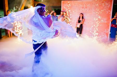 wedding party: Amazing first wedding dance on heavy smoke