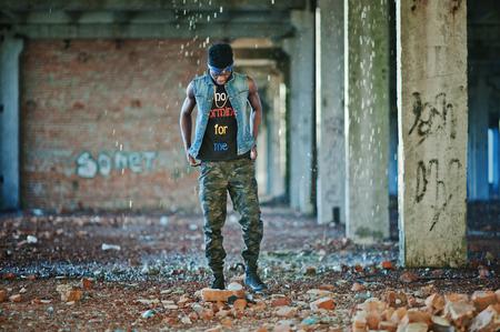 hip hop man: Black afroamerican man gangsta rap singer