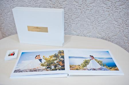 leathery: Luxury white leather wedding photo album and photo book