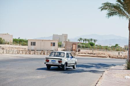 lia: Hurghada, Egypt -20 August 2016: Fiat Nasr 128 GLS berline car with Egypt license plate