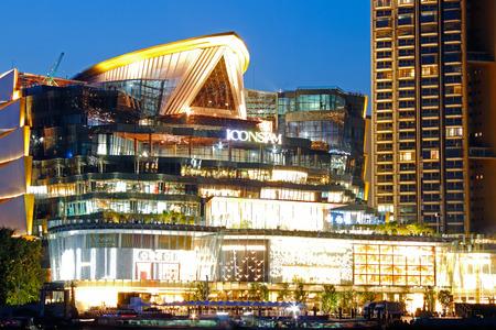 BANGKOK, THAILAND - NOVEMBER 12, 2018 :  IconSiam river side department store 新聞圖片
