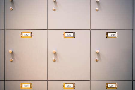 Casiers armoires dans un vestiaire Banque d'images - 83590754