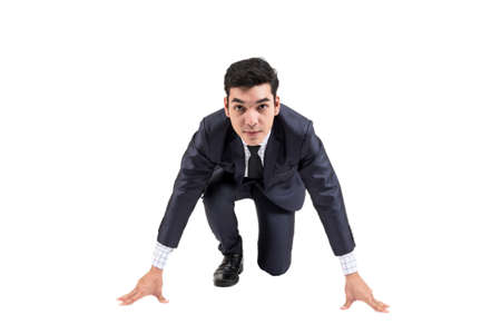 Uomo d'affari pronto per essere eseguito isolato su sfondo bianco
