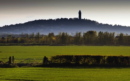 wallace: Misty Wallace Monument in the Distance Stock Photo