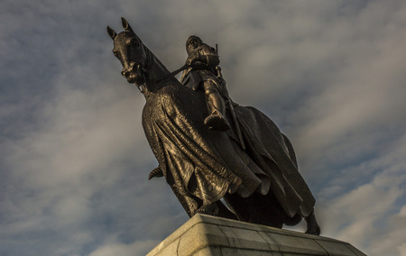 robert bruce: Dramatic image of Robert the Bruce on Horseback Stock Photo