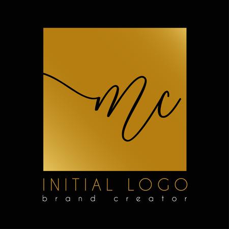 élégant modèle de lettre initiale Mc o