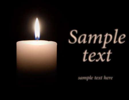 kerze: Wei�e Wax Candle leuchtet im Dunkeln