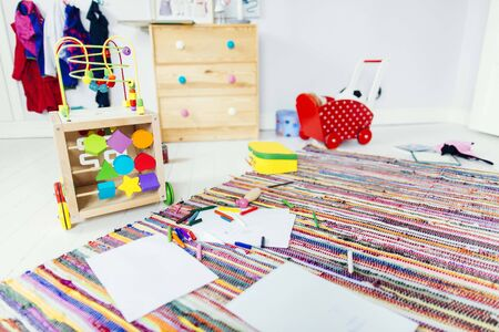 Drawing products and toys in childs room LANG_EVOIMAGES