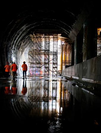 scaffolds: Working in tunnel