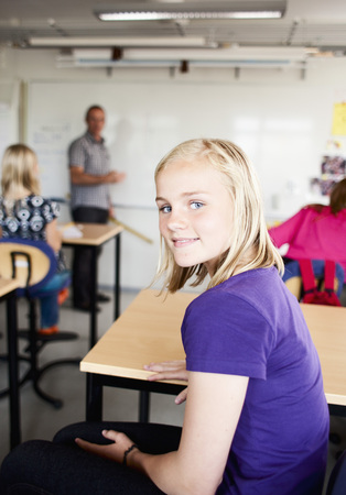 uninterested: Girl in classroom