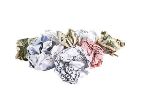 Raggrinzito fatture e bollette di dollari, isolata su sfondo bianco. Archivio Fotografico - 4805260