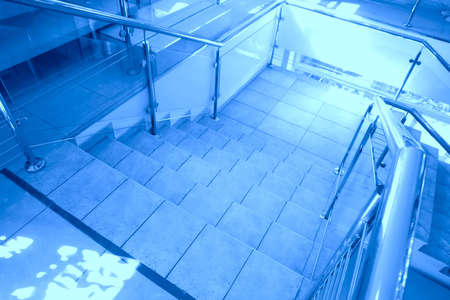 tonalit�: abstraction, escalier en tonalit� bleue Banque d'images