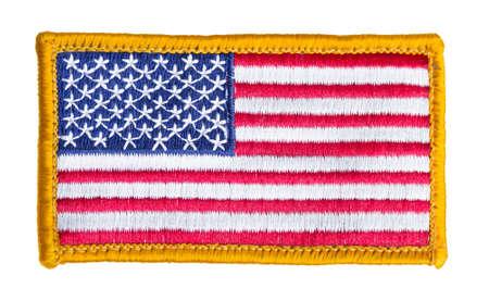 hilo rojo: Remiendo de la bandera americana aislado en fondo blanco