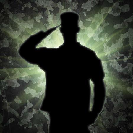 silhouette soldat: Saluant la silhouette de soldat sur un fond de camouflage vert armée