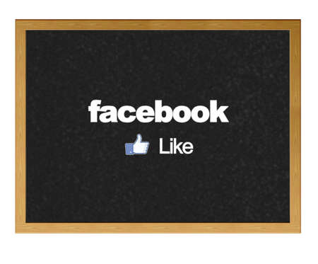 MADRID, SPAGNA - 12 giugno: logo Facebook, il pi� grande sito web social network su una lavagna a scuola il 12 giugno 2012 a Madrid, Spagna. Editoriali