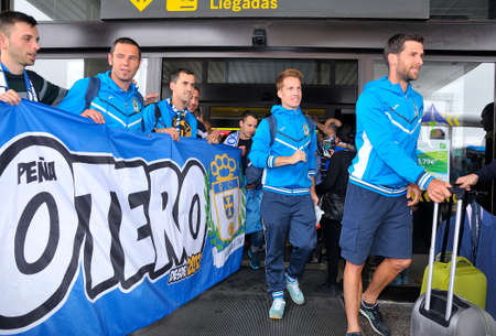 cf: OVIEDO SPAIN  JUNE 1: Arrival to the players and coaching staff of Real Oviedo after having Achieved promotion to the second division of the Spanish soccer yesterday before Cadiz CF in June 1 2015 in Oviedo Spain.