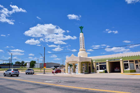 Shamrock, Texas - July 20, 2017: Art deco U-Drop Inn Conoco Station (Tower Station) on Route 66. Appeared in the animated movie Redactioneel