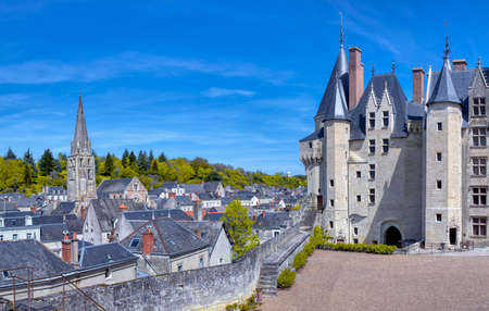 Langeais castle in the Loire region and pretty town, France. Redactioneel