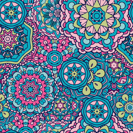 Seamless vector pattern mandala ornament. Vintage decorative tiled design Vectores