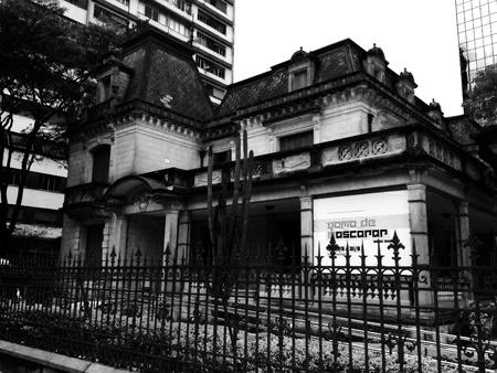 casa vecchia: Da vecchia costruzione a San Paolo - Brasile Archivio Fotografico