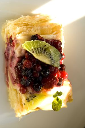 puffy: Dessert with different fruits