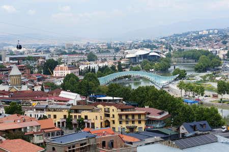 Kerken en koepels van Tbilisi, zicht op historisch deel van de hoofdstad van Republiek Georgië Stockfoto - 17674029