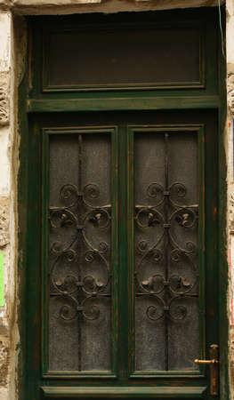stucco facade: Dettagli di arredamento in stile Art Nouveau in ferro forgiato