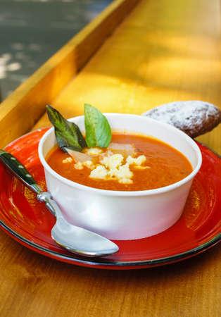 garlic: fresh tomato soup in a white bowl