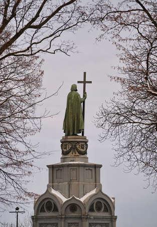 Monument to St. Vladimir in Kiev, Winter brunches