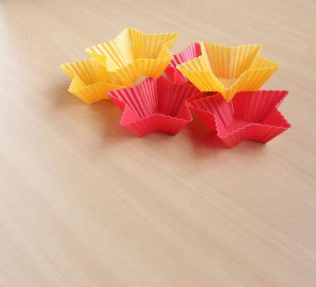 Form zum Backen von Cupcakes in Form eines Sterns Standard-Bild - 69921316
