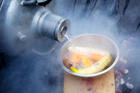 nitrógeno líquido frutas plátanos naranjas