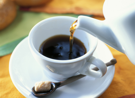 Koffie gieten Stockfoto