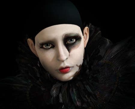 clowngesicht: 3D-Computergrafik eines Pierrot mit schwarzer Feder Kragen