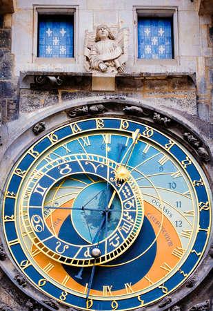 cronologia: Detalle del reloj astronómico de Praga Foto de archivo