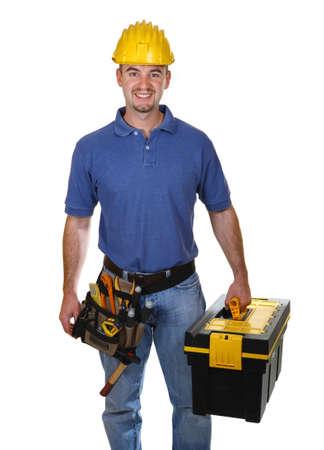 jonge werknemer man met toolbox geïsoleerd op witte achtergrond
