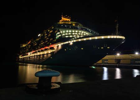 ベンチュラ。 P ・ O はクルーズ船のベンチュラは、ブリッジタウン、バルバドスのドッキングです。 その処女航海は 2008 年に、ベンチュラは、P ・ O