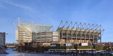 セント ・ ジェームスの公園ホーム ニューカッスル ユナイテッド フットボール クラブのイギリスの。 競技場はすべて人乗りで、52,405 の容量。 報道画像