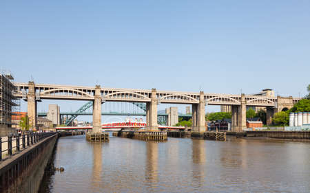 A view of the High Level Bridge, a road and railway bridge over the River Tyne in North East England.  The bridge connects Newcastle upon Tyne and Gateshead. 報道画像