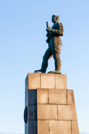 A statue of a Russian soldier in Kirkenes, Norway.  The monument recognises the role of the Red Army in liberating the town in 1944. Redactioneel