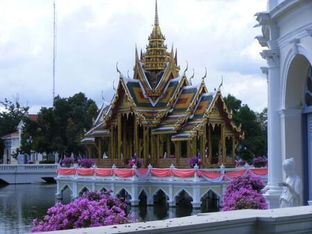 nifty: Beautiful pavilion in the middle of water inThailand