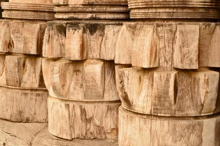 backlash: Pattern on old wood backlashes