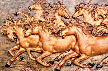 relate: Smart running horse sculpture relate